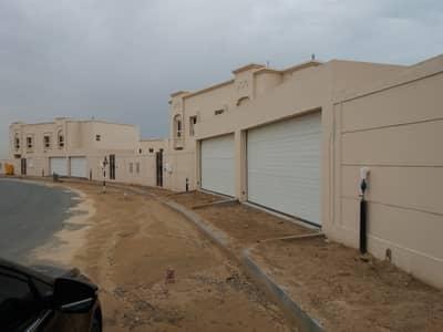 Beautiful 4- Bedrooms  Villa for Rent Al Barashi call (Mazhar)