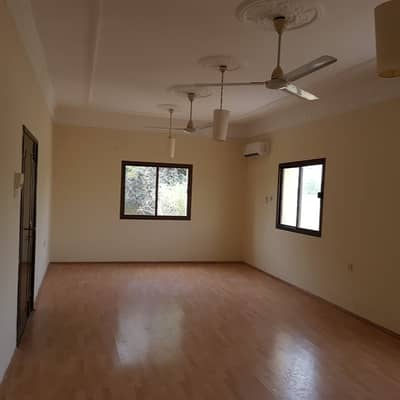 3 Bedroom Villa for Rent in Al Sabkha, Sharjah - 3bhk single  story  villa with big garden