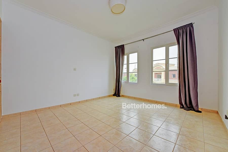 2 Beautiful Studio | Garden West | Vacant