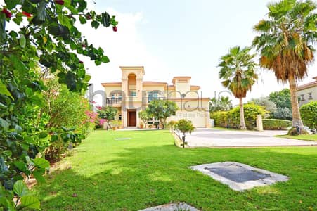 4 Bedroom Villa for Rent in Jumeirah Islands, Dubai - Spanish | Private pool | Beautiful garden