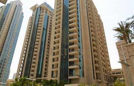 1 Bedroom Apartment for Rent in Downtown Dubai, Dubai - Amazing 1BR+study in BLVD Central with lakeviews - 125K !!