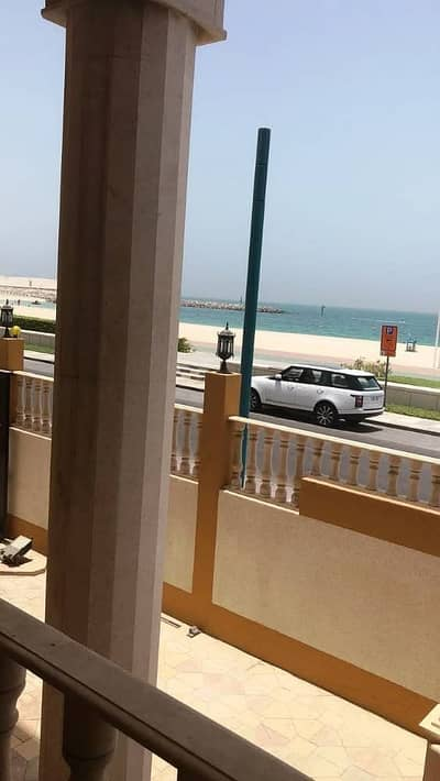 6 Bedroom Villa for Rent in Umm Suqeim, Dubai - Luxury 6 Bedroom Villa facing Beach in Umm Suqeim 2