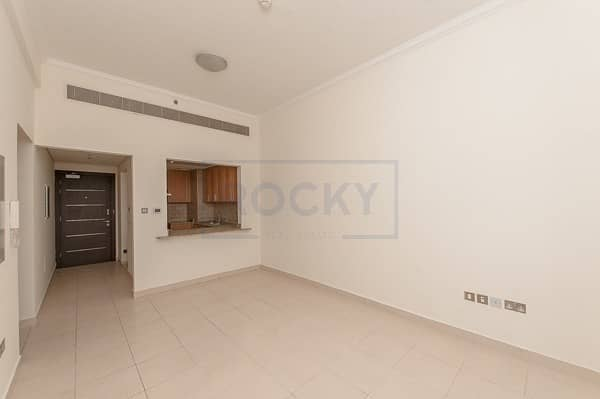 2 Bedroom   Semi Furnished   Kitchen Appliances   Silicon Oasis
