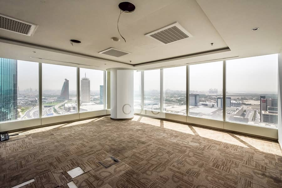 Vacant fitted full office floor in Nassima