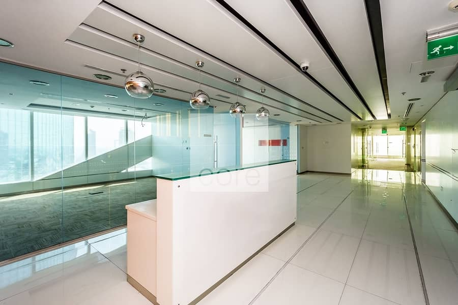 10 Vacant fitted full office floor in Nassima