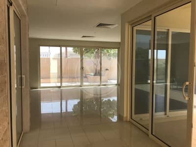 4 Bedroom Villa for Rent in Al Raha Gardens, Abu Dhabi - Swimming pool|Immaculate condition villa