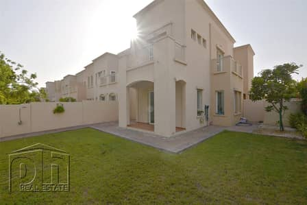 3 Bedroom Villa for Rent in The Lakes, Dubai - C End