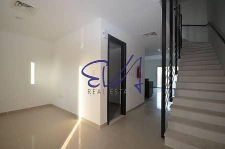 2 Bedroom Villa for Rent in Al Reef, Abu Dhabi - Great Deal! Lovely 2 BR Villa Single Row