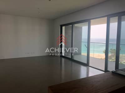 3 Bedroom Apartment for Sale in Pearl Jumeirah, Dubai - Own this Stunning Apt  Beachfront Facing
