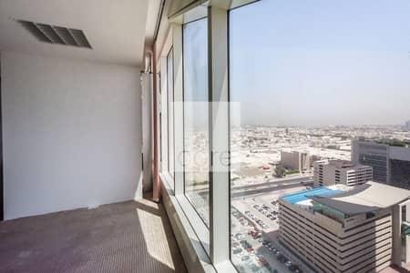 مکتب  للايجار في شارع الشيخ زايد، دبي - High floor fitted office vacant in Nassima