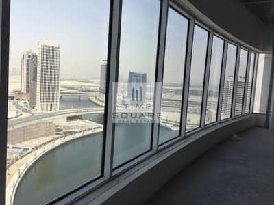 طابق تجاري  للبيع في الخليج التجاري، دبي - Shell and Core Full Flr Office