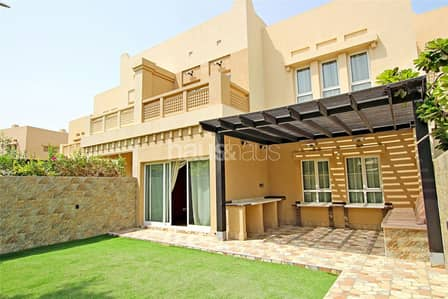 3 Bedroom Villa for Rent in The Lakes, Dubai - Fully Upgraded| Unique Property| Vacant