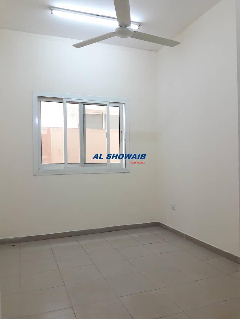 Studio available behind al futtaim mosque Fijmurar Deira