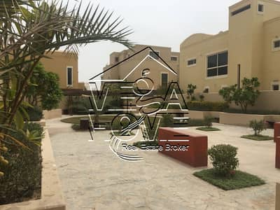 BEST OFFER EVER 5 BED VILLA WITH POOL AND GREEN GARDEN.