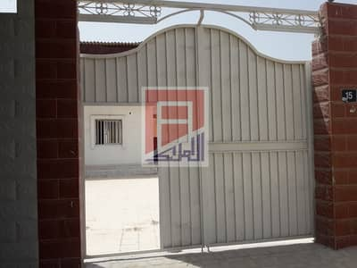 5 Bedroom Villa for Rent in Al Sabkha, Sharjah - Villa in Al Sabkha