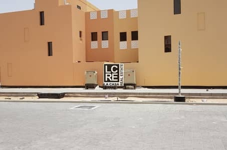 2 Bedroom Villa for Sale in Hydra Village, Abu Dhabi - Corner Plot! Single Row! 2 BR in Zone 8!