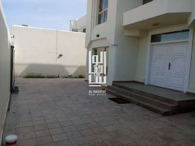 4 Bedroom villa With Private Pool in Jumeirah 2!