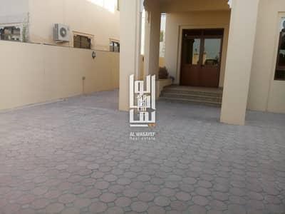 Huge 4 Bedroom Independent  Villa in Jumeirah 3.