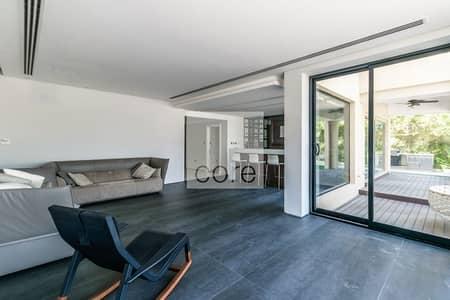 Upgraded 4 bedroom Corner Villa with pool