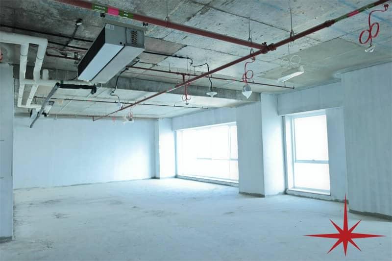 مکتب في برج لطيفة شارع الشيخ زايد 69080 درهم - 3500245