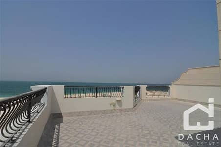 4 Bedroom Flat for Rent in Umm Suqeim, Dubai - Direct access to the Beach !