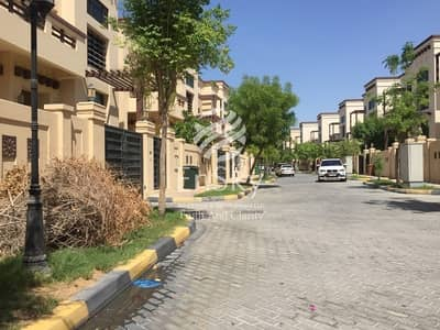 5 Bedroom Villa for Sale in Abu Dhabi Gate City (Officers City), Abu Dhabi - Spacious 5BR in Officers Club Area with Sea View