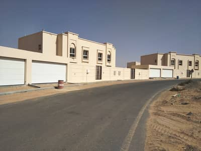 4 Bedroom Villa for Rent in Barashi, Sharjah - Fully furnished kitchen four bedroom villa with huge plot in Barashi, Sharjah.