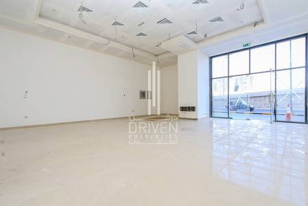 Shop for Rent in Sheikh Maktoum Bin Rashid Street, Ajman - BRIGHT HUGE RETAIL SHOP | GREAT LOCATION