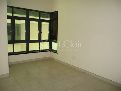 Well Maintained Unit For 2 BHK In Turia A With Community View