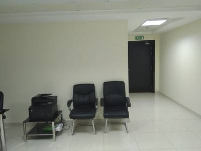 Office with  available for Rent in Fortune Tower close to Metro Station