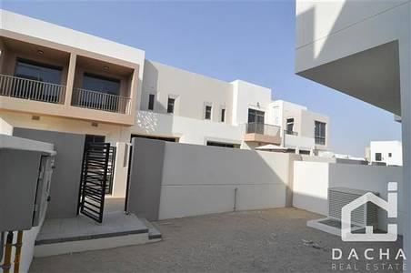 تاون هاوس  للايجار في تاون سكوير، دبي - Back to back Type 2 – Vacant. Good Price