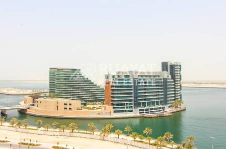 Pool and Seafront View In 2 Bedrooms Apt