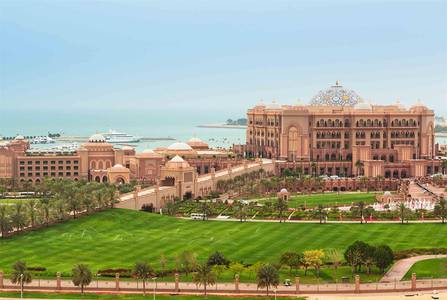 2 Bedroom Flat for Rent in Corniche Road, Abu Dhabi - Amazing Emirates palace View