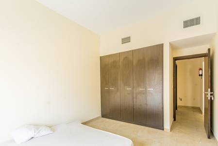 1 Bedroom Apartment for Sale in Remraam, Dubai - Closed Kitchen | Inner Circle | Terrace