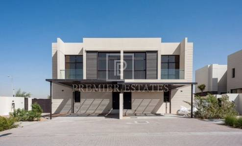 3 Bedroom Villa for Sale in DAMAC Hills (Akoya by DAMAC), Dubai - Reduced Price - Paramount Pictures Style Property is now rented