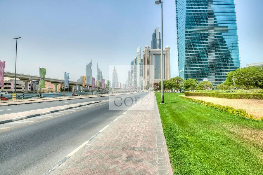 10 Easily accessible office | Burj Al Salam