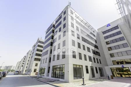 Office for Rent in Dubai Investment Park (DIP), Dubai - Spacious fitted office l High floor unit