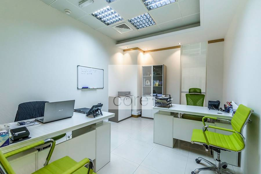 10 Serviced office w/ 7 workstations | Downtown