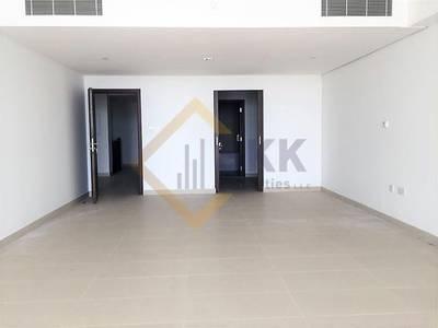 3 Bedroom Townhouse for Rent in Al Raha Beach, Abu Dhabi - 3BR Town House w Maid room Balcony & Seaview
