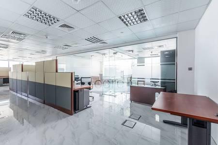 Office for Sale in Jumeirah Lake Towers (JLT), Dubai - Fitted furnished office l Jumeirah Bay X2