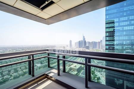 Office for Rent in Jumeirah Lake Towers (JLT), Dubai - Glass partitioned office unit l JBC 3 JLT
