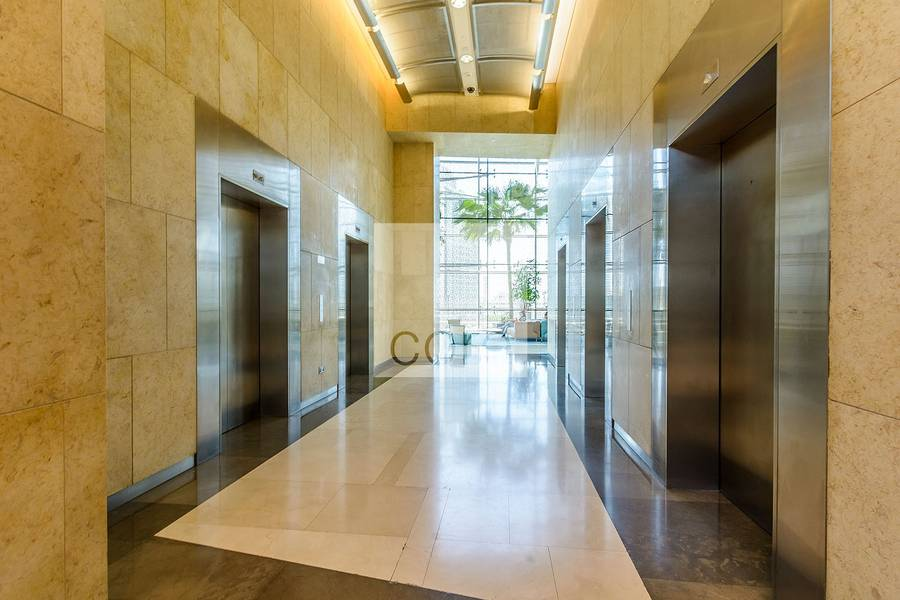 10 Premium fitted office vacant |Burjuman
