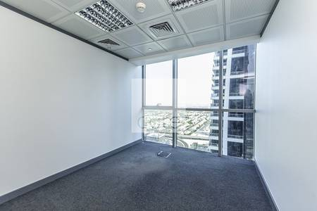 Office for Rent in Jumeirah Lake Towers (JLT), Dubai - Fitted