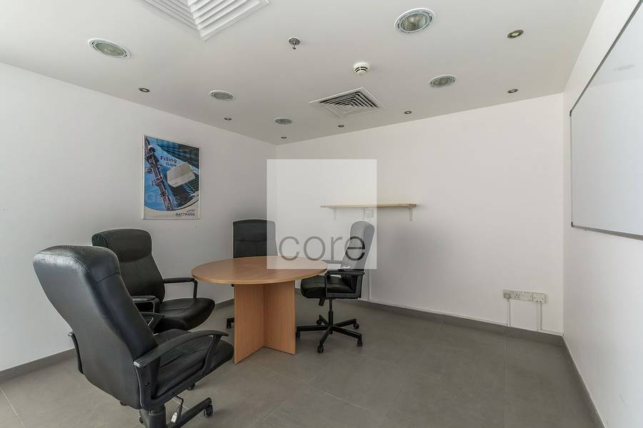 Fitted office on mid floor in HDS Tower