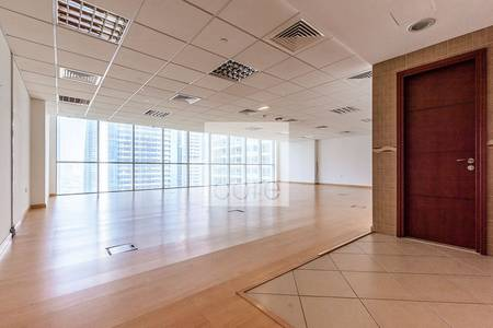 Office for Rent in Jumeirah Lake Towers (JLT), Dubai - Fitted office with 1 month rent free