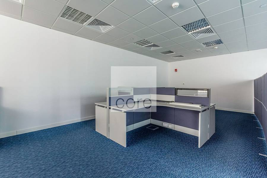 10 Fully fitted office unit with partitions