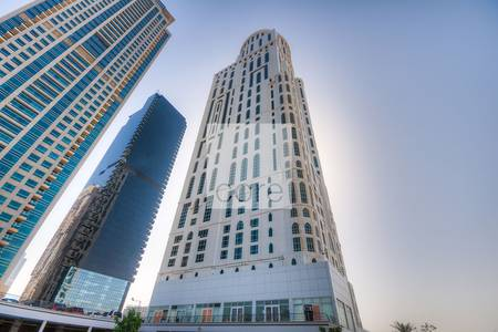 Office for Sale in Jumeirah Lake Towers (JLT), Dubai - Newly fitted