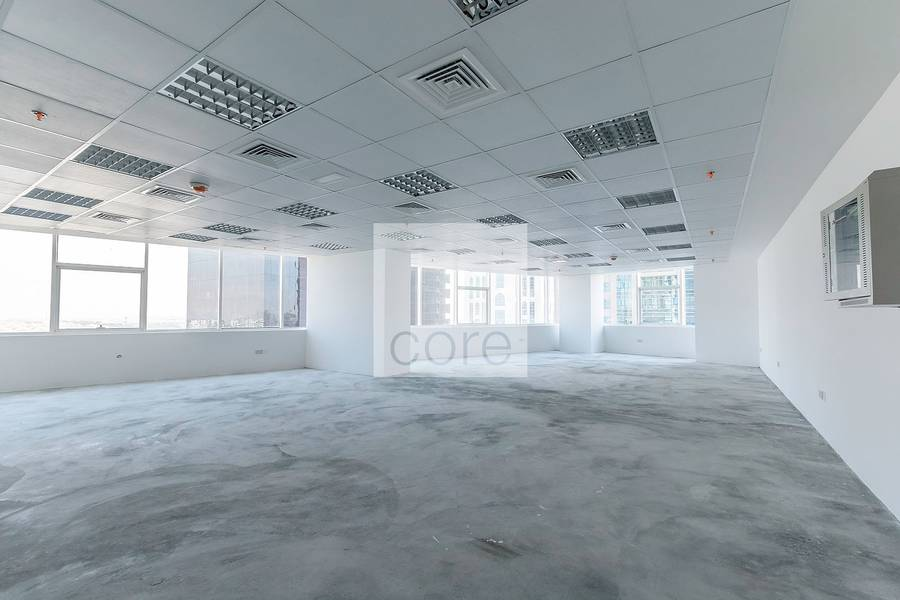 Semi fitted office in HDS Business Center