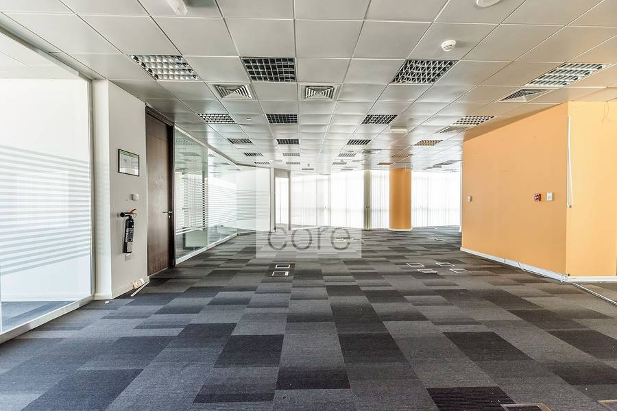 10 Huge high quality fitted office Corniche