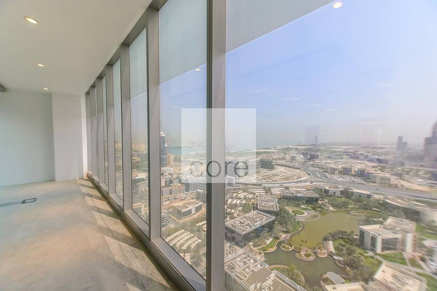 High floor fitted office in Arenco Tower